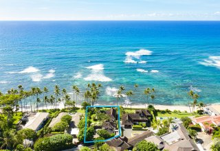 Rare Diamond Head Beachfront Location