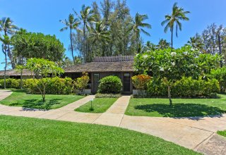 Photo of Oceanfront Gated Community, Mokuleia Beach Colony