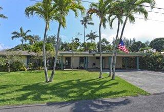 Photo of 5-Bedroom Kuulei Tract Home - One Block to Kailua Beach