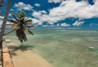 Kahala Oceanfront Land - 37,213 SF (3,457 Sq Meters)