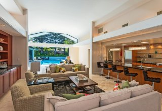 Modern Luxury in Kahala - Remodeled to New in 2015 4463 Aukai Avenue