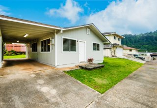 Photo of Move-in Ready Halekou Home - Convenient Location