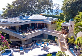 Ocean Views & Privacy from a One-of-a-Kind Diamond Head Home