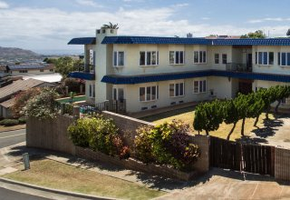 Panoramic Ocean Views from Large Two-Story Waialae Iki Home