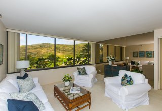 Exceptionally Maintained Move-In Ready Commodore Condo, Hawaii Kai