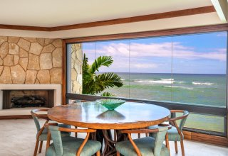 Oceanfront 3,500+SF Townhome in Prestigious Diamond Head