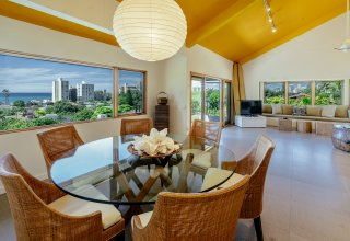 Ocean View Renovated Diamond Head Townhome - Walk to Beach