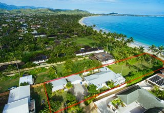 Kailua Beachfront - Two Homes, Both with Vacation Rental Licenses
