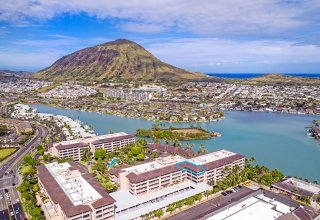 Impeccable Ocean View Remodeled Penthouse - Kalele Kai Waterfront Gated Community