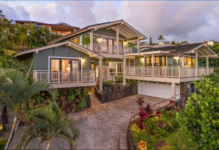 Gorgeous Ocean View Waialae Iki Home