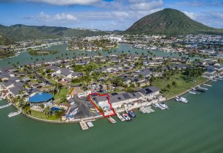 Marinafront Koko Isles Townhome - Wide Views to Diamond Head & Koko Head